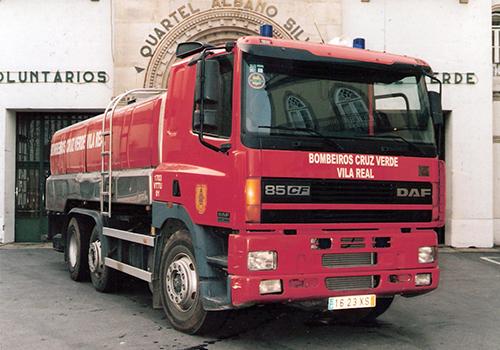 2004 - Auto-tanque DAF