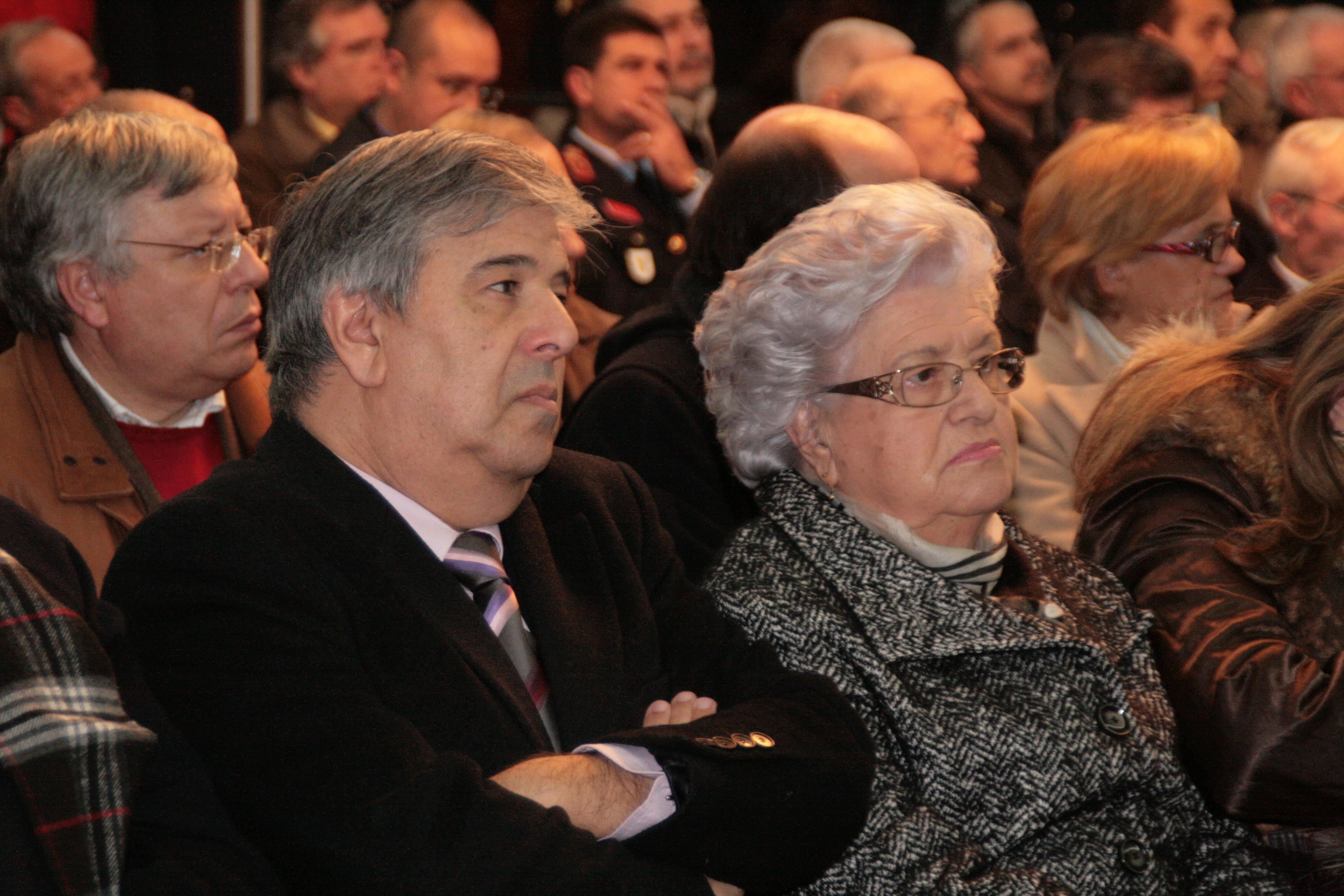 Filho e viúva de Luís Faceira na cerimónia