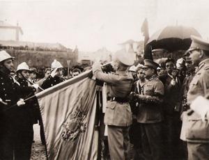 Oficial da Ordem de Cristo pelo General Cardona em 21 de Junho de 1931