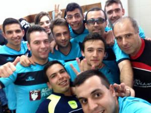 Equipa da Cruz Verde que conquistou 3º lugar em torneio de futsal