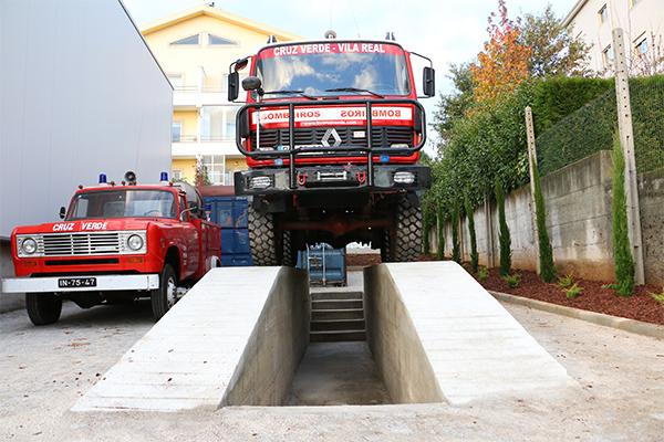 Rampa para manutenção de viaturas